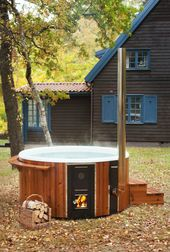 Get a front row seat for the golden beauty of autumn in your garden – Skargards Regal — The luxurious hot tub from Sweden