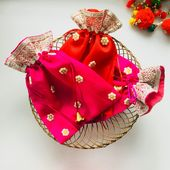 6 Sari Silk Favor Bags – Indian Wedding Gift Potli Bag – Diwali Gift Bag – Mehendi Favor Bag – Wedding Giveaways – Gift For Guests