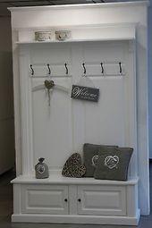 Kleiderschrank mit Sofa Teilmöbeltafel mit Sofa weiß Landhausstil   – Eingang