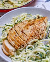 Easy Chicken Alfredo mit Zoodles   – Yummy foods