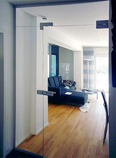 Glasportal für Hausflur als Windfang oder Raumteiler mit Glastüren   BE GLASS,… – Hausideen Algm.