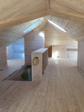 Wow dieser fertige Dachboden ist wunderschön! Ich liebe das rohe Holz und das s…
