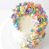 """Brittany May auf Instagram: """"Hier ist eine detailliertere Aufnahme eines Regenbogenkuchens, den ich gemacht habe …   – Birthday cake ideas"""