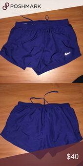 Nike Shorts In sehr gutem Zustand. Haftungsausschluss: Artikel mit neuen Tags können Kennzeichnung haben …   – My Posh Closet