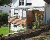 Balkonanbau in verzinkter Ausführung mit Geländer   – Kleiner Balkon