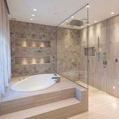 Jedes Badezimmer sollte eine Badewanne mit Aussicht und eine ebenerdige Dusche haben, die gro…