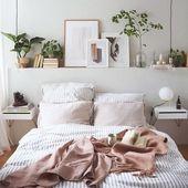 Nun ist dies ein Schlafzimmer, das Tische auf beiden Seiten des Bettes hat, Landschaften …   – Home Decoration Ideas