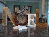 Photo of NOEL Holzbuchstaben mit Weidenkranz, primitive & rustikale Weihnachtsdekoration für den Kaminsims oder