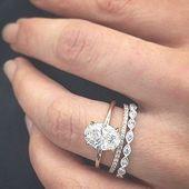 Echa un vistazo a 25 de los anillos de compromiso más populares en el mercado, y tal vez pronto, …   – classic wedding rings