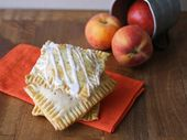 """Hausgemachter, frischer Pfirsichkuchen """"Pop Tarts""""   – Cakes, Pies and Yummy Treats"""
