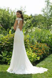 N ° 7305 Sweetheart – sensuell bröllopsklänning i fit-and-flare-stil i broderad …