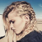 It looks like it could be a Valkyrie hairstyle, #hairstyle #Valkyrie #frisur #hairstyle #hand