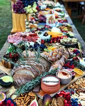 Cold Buffet Ideas Bread Herbs Dips Crackers #grazing #buffettable #dips  – Partyfood Fingerfood