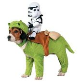 Disfraz de princesa Leia Star Wars para perros – Blanco: Target   – Dog Costumes these costumes are cute, cuddly, and practically guaranteed to earn a treat or two.