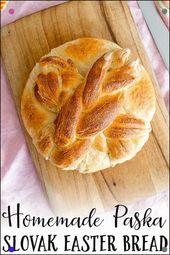 Homemade Paska ist ein traditionelles slowakisches oder osteuropäisches Osterbrot …