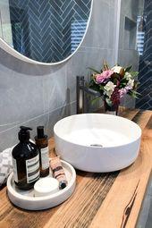 Dunkelblaues und anthrazitfarbenes Badezimmer  – Bathroom ❥ – #anthrazitfarben…