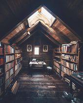 Ein Dachboden in einer Kabine, die als Bibliothek eingerichtet wurde: CozyPlaces – Cry Angel