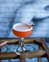 Fliegen in das Wochenende wie … ? – Das Papierflugzeug – 0,75 Bourbon 0,75 Amaro … – Paperplane