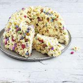 Popcorn cake with chocolate beans   – Kindergeburtstag