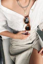 So kleiden Sie sich für den Sommer, wenn Sie klassischen Stil haben