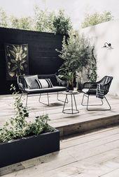 Wunderschöner Außenraum | Schwarz, Weiß + Holz