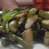 Sauteed Lauki with Curry Leaves