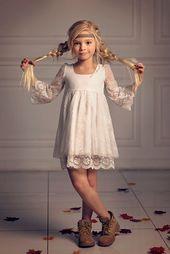 Les filles gown de Noël, première communion gown, gown de fille de fleur en dentelle blanc cassé, Boho fille de fleur, gown en dentelle enfant fille, Boho mariage
