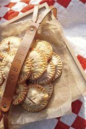 Folie 11: Gesalzene Karamell-Apfel-Torten   – Bake & Candy Sale