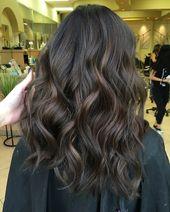 """Christina Pham 🖤✂️ auf Instagram: """"Zum ersten Mal in 10 Jahren ihre Haare färben …"""