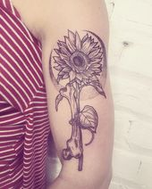 Temporäre Dinge. Ich wünsche mir einen ewigen Sommer. . . #flowertattoo #floraltatt …