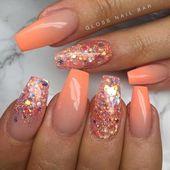 Zehennagelspitzen Gold Glitter #summeracrylicnails   – almond acrylic nails