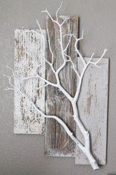 Paletten und weißer Zweig. Sehr süße Idee für Pflanzen oder andere Dinge zum Aufhängen #Ba