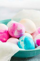 Schlagsahne gefärbte Eier sind super einfach und so viel Spaß. Dies ist ein Projekt, das Sie …