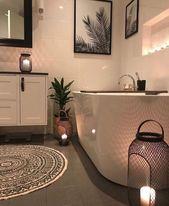 Salle de bain noire et blanche : 15 idées pour vous inspirer !
