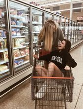 She told her bff she was pregnant and her friend said get in the cart I'll p…
