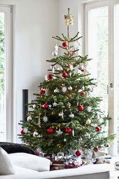 25+ Inexpensive Christmas Tree Decorating Ideas