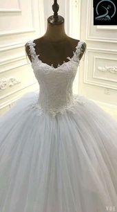 Wedding Dress Design Cap Sleeve Lace Appliqued Crystal Straps Ball Gown Wedding Dress No Train