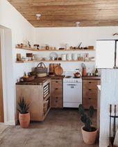 White and wood – bohemian kitchen