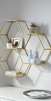 Leonique Wandregal aus Metall Goldene Wohnaccessoires sind ein echter Einrichtun