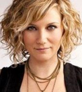 Hairstyles messy curls naturally curly 57 New Ideas