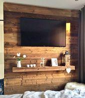 TV-Wand mit Altholzverkleidung