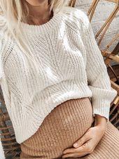 Baby Bump Pull en maille crème + jupe en maille camel = mix stylé ! Rv sur le blog pour ...