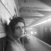 Timothée Chalamet  Pinterest // Wishbone  Bear  // 90s style road put on stre…