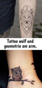 Tattoo wolf und geometrie am arm.
