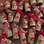 Lot von 10 – Wählen Sie Ihre Farbe! Schneemann-Weihnachtsverzierungen im Wein-Korken, Wein-Fl…