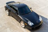 For many purists, the Porsche 911 type 996 pays the choice of a flat 6 …