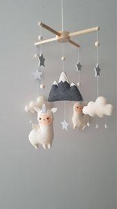 Baby Mobile, Llamacorn Unique Baby Mobile, Kinderbett Mobile Kindergarten, Lama Mobile, Cloud Stars Baby Mobile, Baby-Dekor, Einhorn Baby Mobile   – Einrichten & Wohnen