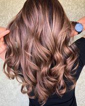 Trendige Haarfarbe Highlights: Rose Gold Haare