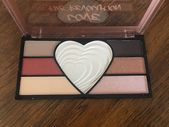 #Eyeshadow #Highlighter #Love #Makeup #Palette #REVO