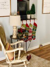 4 gestrickte Weihnachtsstrümpfe, die letztes Jahr in der Hobby Lobby gekauft wurden. Hat jeweils 30 $ bezahlt. … – Rae Dunn Home decor